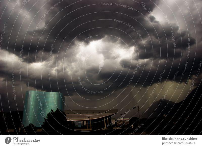 Weltuntergaaaaaaang! Himmel Wasser Wolken dunkel Luft Wetter Regen Wind gefährlich Urelemente bedrohlich Unwetter Sturm Surrealismus Gewitter Klimawandel