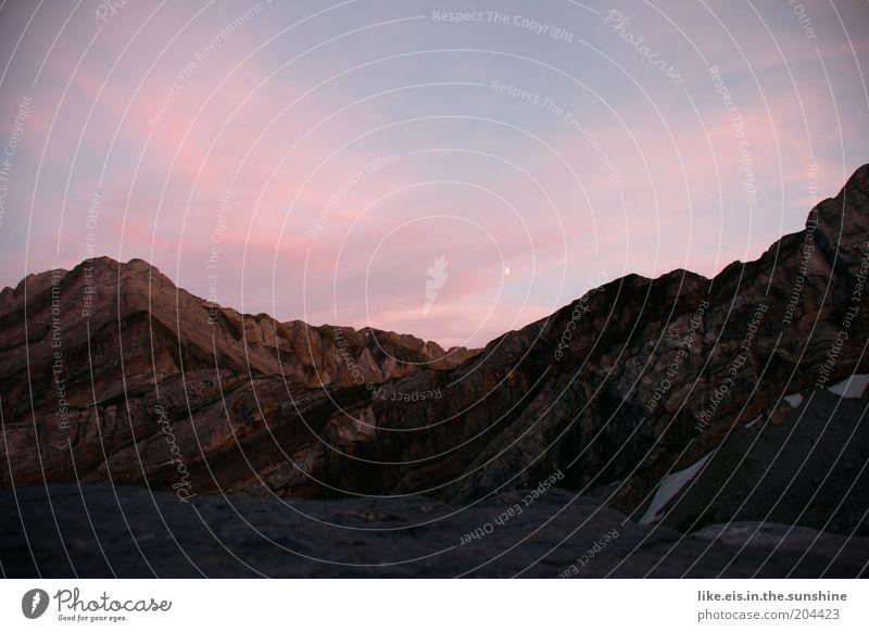 Sonnenuntergang auf 2000m Natur Sommer ruhig Erholung Berge u. Gebirge Umwelt Felsen Aussicht Alpen fantastisch Gipfel Mond Urelemente Schönes Wetter Abenddämmerung Schlucht