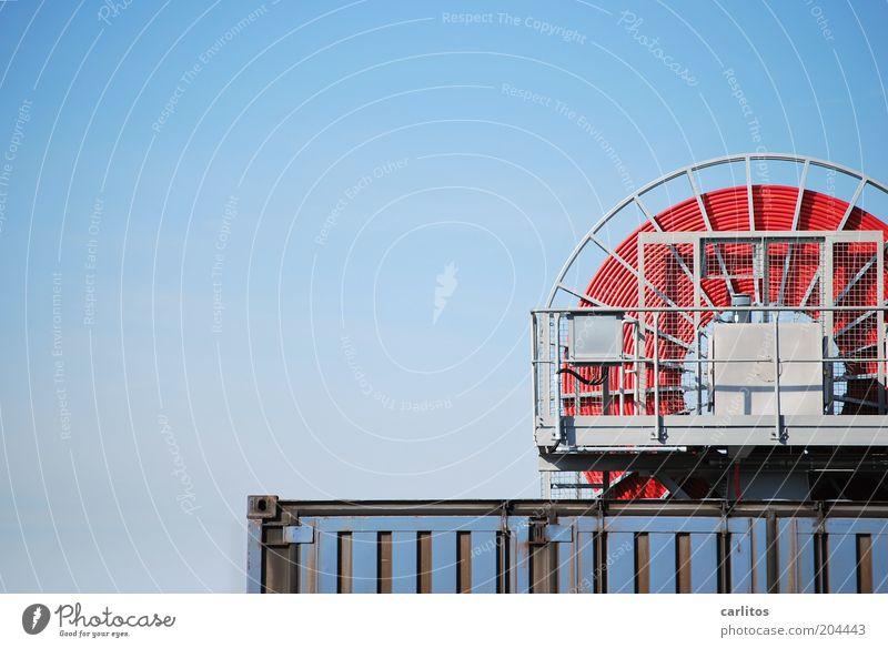 Den roten Faden nicht verlieren .... Container Kabelrolle Speichen Geländer Himmel Güterverkehr & Logistik eckig oben rund blau aufwickeln Farbfoto