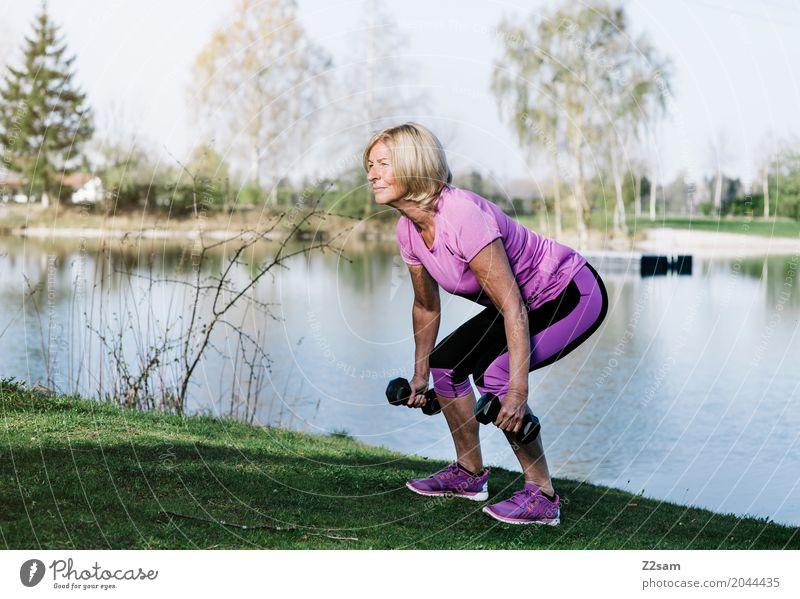 squats Freizeit & Hobby Fitness Sport-Training Krafttraining Frau Erwachsene Weiblicher Senior 60 und älter Natur Sommer Schönes Wetter Baum Wiese Seeufer