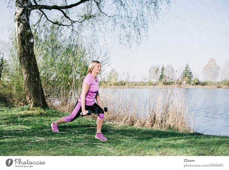 60 ist das neue 50 Frau Natur Jugendliche Sommer schön Sonne Baum 18-30 Jahre Erwachsene Senior Wiese Gesundheit Sport Freizeit & Hobby Zufriedenheit blond