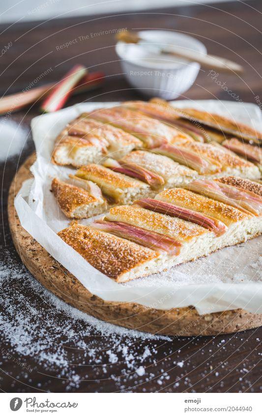 Rhabarber-Hefefladen Frucht Ernährung süß lecker Süßwaren Dessert Backwaren Teigwaren sauer Slowfood Fladenbrot
