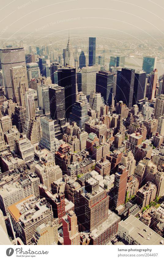 Großstadt-Schluchten Haus Gebäude Business Architektur Hochhaus hoch Zukunft USA Bankgebäude Stadt Amerika Skyline Stadtzentrum New York City Manhattan