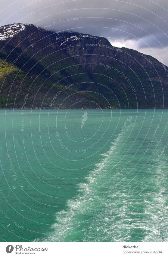 No (r) way back Natur Wasser Meer grün Sommer Ferien & Urlaub & Reisen Wolken kalt Erholung Berge u. Gebirge Wellen Geschwindigkeit Tourismus Schifffahrt