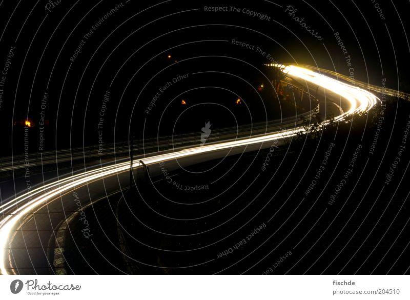 Kurvenlicht Straße Design leuchten Kreativität Autobahn Fahrzeug Autofahren Sportveranstaltung Biegung biegen Nachtaufnahme Leuchtspur Motorsport