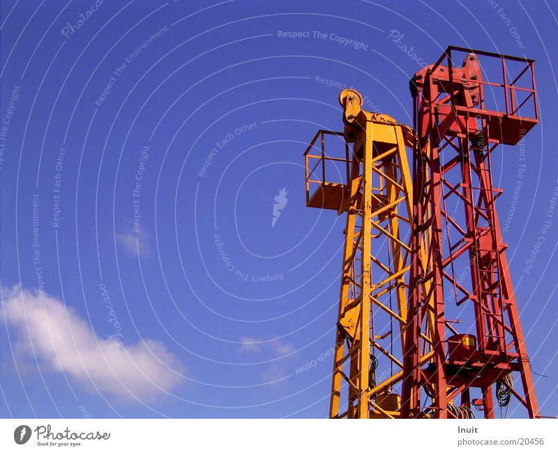 Wolkenkratzer (tribute to froodmat) Himmel blau rot orange Technik & Technologie Turm Elektrisches Gerät