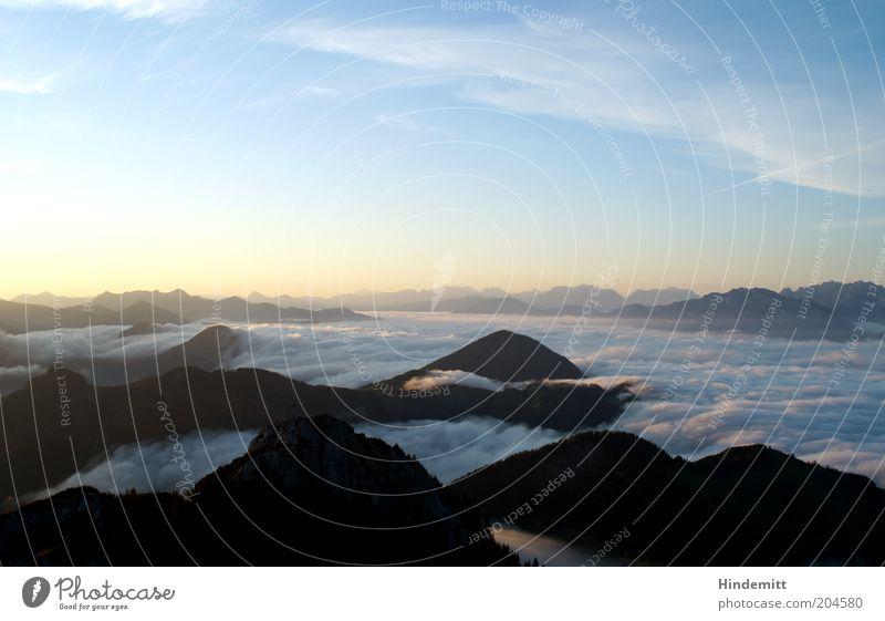 Schlicht: Sonnenaufgang Himmel Wolken Horizont Sommer Schönes Wetter Alpen Berge u. Gebirge Gipfel ästhetisch außergewöhnlich fantastisch hell hoch schön blau