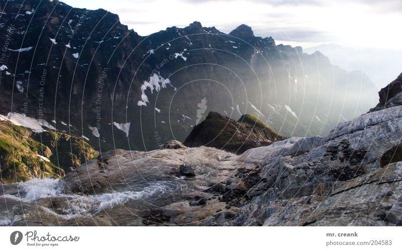 Mein Berg (II) Himmel Natur Wasser Ferien & Urlaub & Reisen Wolken Berge u. Gebirge Landschaft Umwelt Freizeit & Hobby Nebel Felsen Alpen Schönes Wetter Bach Tal Bergkette