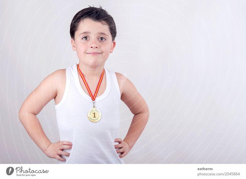 Mensch Kind Freude Lifestyle Sport Junge Spielen Glück Kindheit Erfolg Fröhlichkeit Lebensfreude Fitness Bildung sportlich Kleinkind