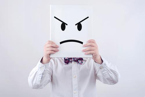 wütendes Kind Mensch Lifestyle Traurigkeit Gefühle Junge Stimmung Kindheit trist Fitness Wut Stress Konflikt & Streit Kleinkind Sorge Aggression