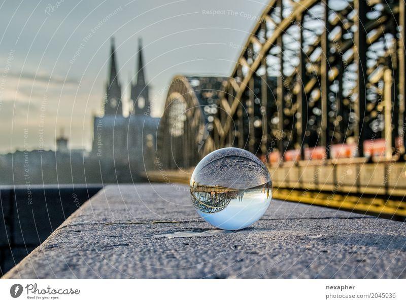 Glass bowl and dome Tourismus Sightseeing Städtereise Kultur Stadt Stadtzentrum Altstadt Skyline Kirche Dom Brücke Mauer Wand Sehenswürdigkeit Wahrzeichen
