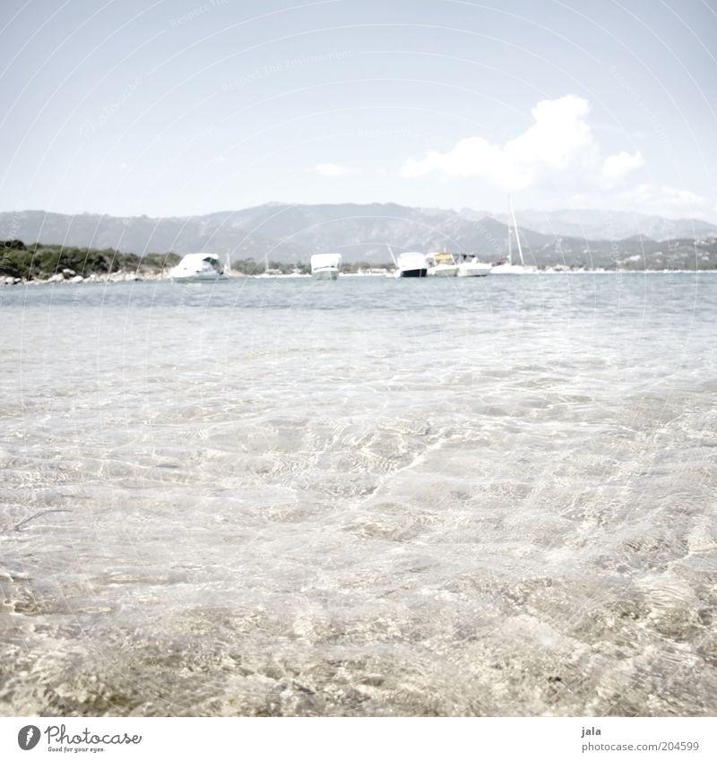kühles nass Wasser Himmel Meer Sommer Ferien & Urlaub & Reisen Erholung Berge u. Gebirge Wärme Landschaft Küste rein Klarheit Frankreich Schönes Wetter Segelboot Jacht