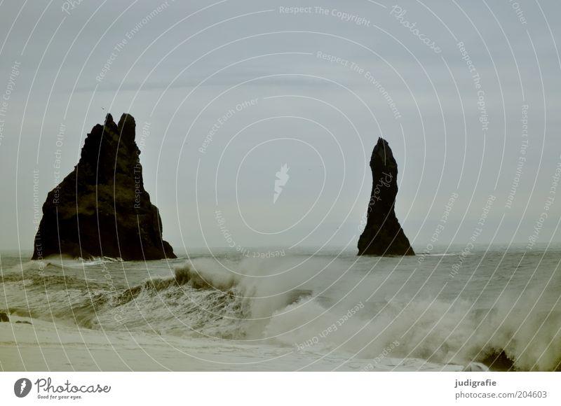 Island Umwelt Natur Landschaft Wasser Himmel Klima Felsen Wellen Küste Strand Meer Vík í Mýrdal außergewöhnlich dunkel fantastisch fest nass natürlich stark