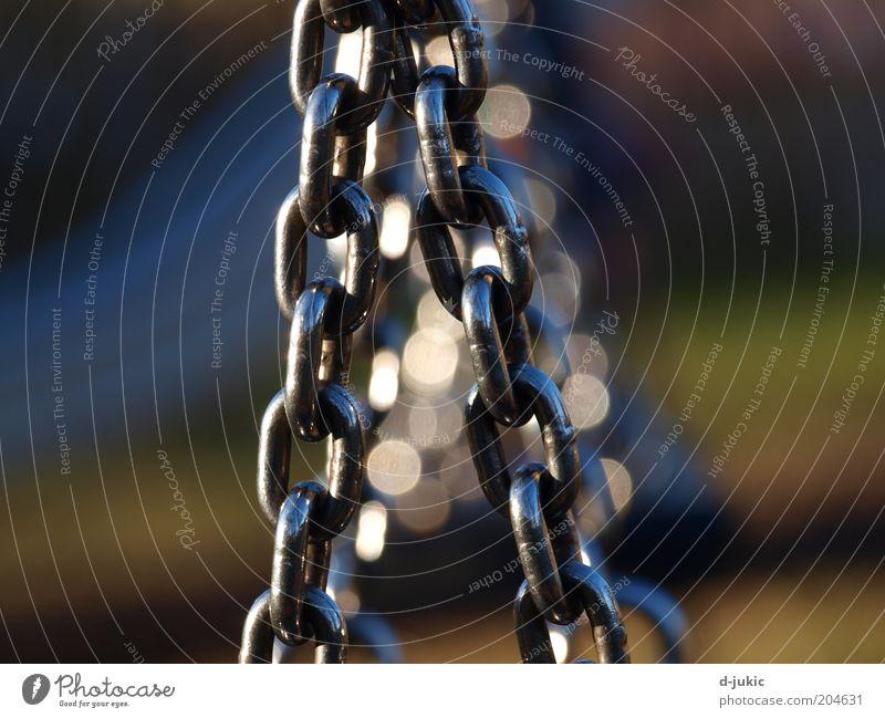 Schaukelketten Kraft stark Stahl Verbindung Kette Befestigung Verlässlichkeit Kettenglied Metall Verbindungstechnik unzertrennlich