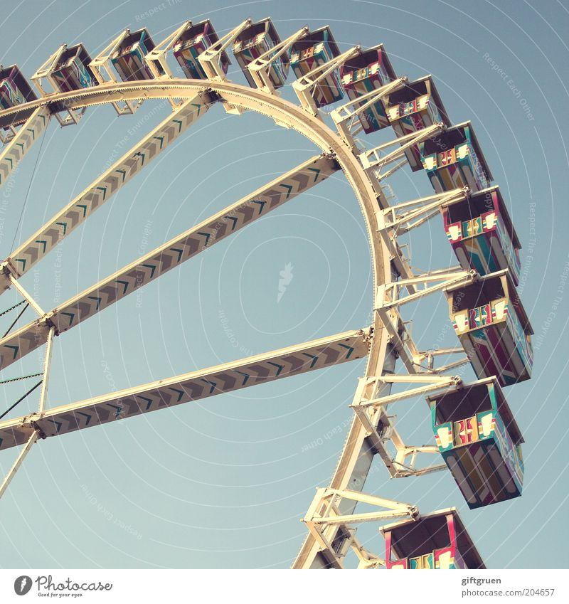 heute geht's rund! Freizeit & Hobby Ausflug Feste & Feiern Jahrmarkt Veranstaltung groß Stimmung Bewegung Kreislauf rundherum drehen Riesenrad Fahrgeschäfte
