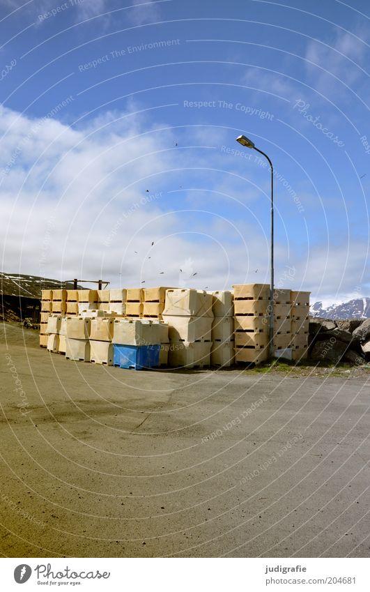 Island Himmel ruhig Wolken Stimmung Hafen Laterne Schifffahrt Schönes Wetter Stapel Fischereiwirtschaft Laternenpfahl Lagerplatz Plastikkiste