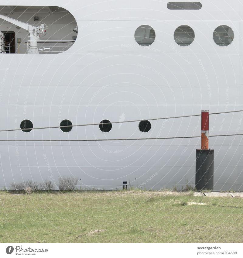 letzter aufruf für die kreuzfahrt! Ferien & Urlaub & Reisen Kreuzfahrt Schifffahrt Passagierschiff Wasserfahrzeug Hafen Seil Bullauge Stahl rund weiß kreisrund