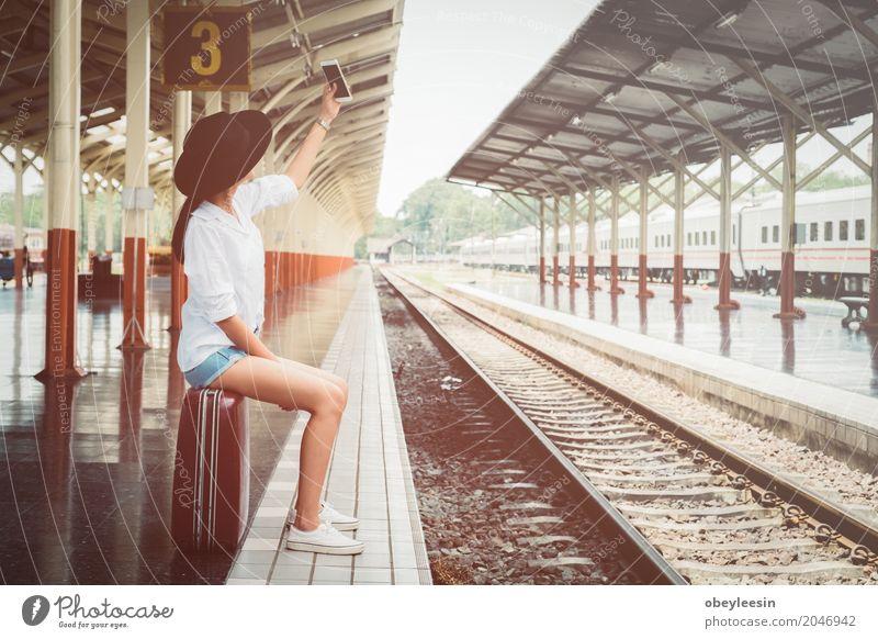 Mensch Jugendliche Junge Frau 18-30 Jahre Erwachsene Lifestyle Stil Kunst Abenteuer Künstler