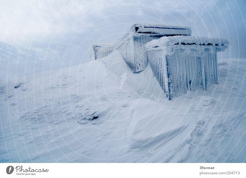 KALT blau Ferne Winter Berge u. Gebirge kalt Schnee Eis Ausflug Gipfel Schutz Frost stark Hütte Sturm Überleben extrem