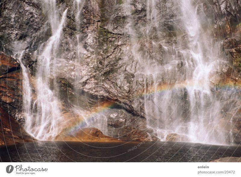 ich will duschen, genau da! Wasser Stein glänzend Felsen Wasserfall Regenbogen