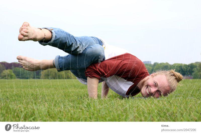 . Mensch Mann Erwachsene Bewegung lachen maskulin Perspektive Fitness festhalten Körperpflege Konzentration Inspiration Sport-Training Kontrolle