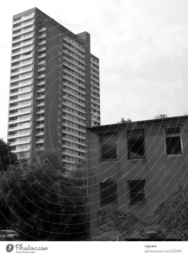 Trist Hochhaus dunkel Architektur Hafenklang Stadt
