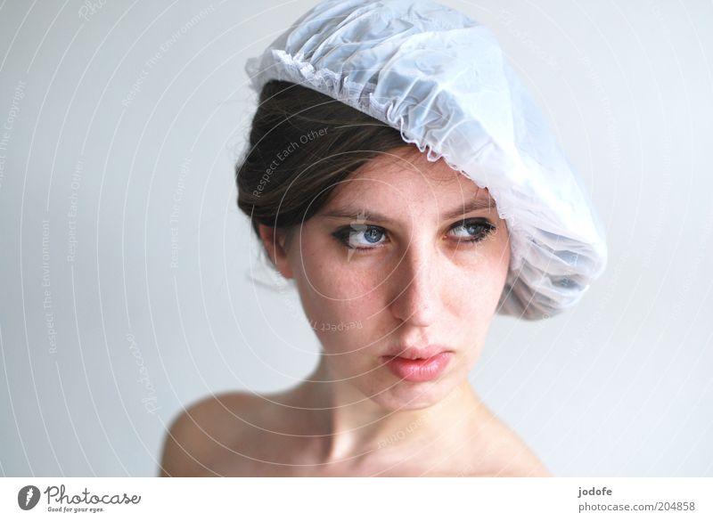 Hutmode Mensch feminin Junge Frau Jugendliche Erwachsene Gesicht 1 18-30 Jahre Mode Kopfbedeckung Kunststoff verführerisch Farbfoto Gedeckte Farben