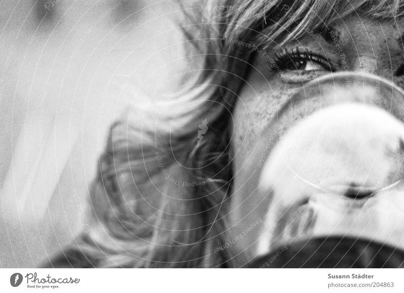 Weinprobe Ernährung Getränk trinken Alkohol Spirituosen feminin Frau Erwachsene Kopf Haare & Frisuren Gesicht Auge Mund Lippen 1 Mensch 18-30 Jahre Jugendliche