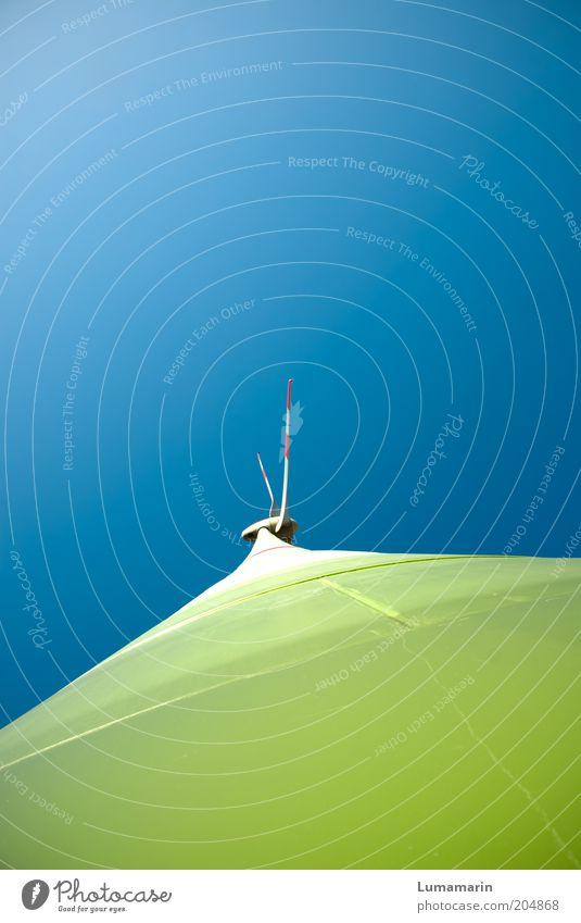 frischer Wind weiß grün blau Sommer hell Umwelt groß hoch modern Energiewirtschaft neu Zukunft Technik & Technologie Sauberkeit Windkraftanlage