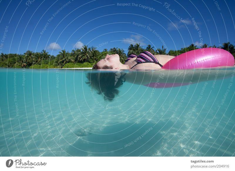 FRESH, SO FRESH - EXC ... Frau Wasser Himmel Sommer Strand Ferien & Urlaub & Reisen Wolken Erholung Sand Erwachsene frisch Tourismus liegen Schwimmen & Baden Unterwasseraufnahme