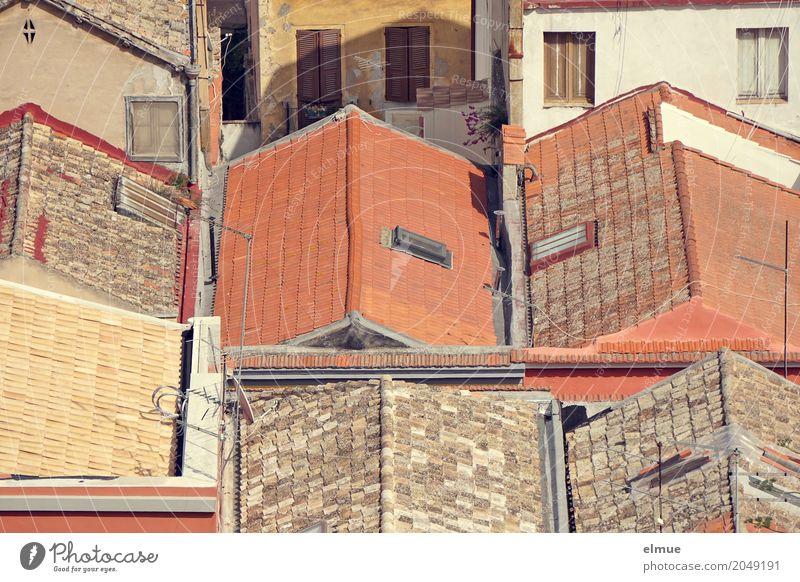 Individualität Sardinien Stadt Altstadt Haus Dach Dachrinne historisch einzigartig Zufriedenheit Zusammensein Romantik Platzangst Gesellschaft (Soziologie)