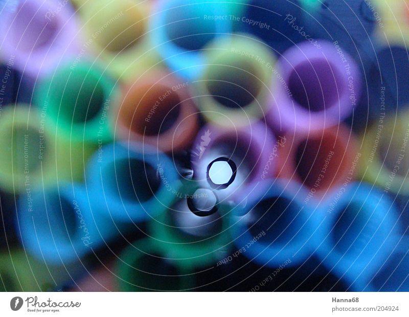 Scharfer Durchblick Design Perspektive Kreis rund Röhren Kunststoff Sammlung Licht Unschärfe Trinkhalm