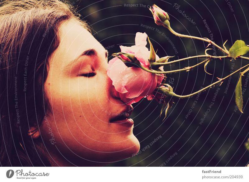ein Moment frische Luft Mensch feminin Frau Erwachsene Gesicht Nase Mund 1 18-30 Jahre Jugendliche atmen Duft genießen träumen ästhetisch natürlich Neugier