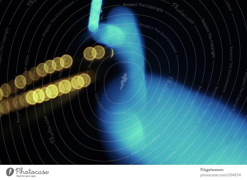 Horst Lichter dunkel Beleuchtung glänzend Perspektive leuchten Lichtspiel Nacht Lichtbrechung Textfreiraum Lichtpunkt Lichterkette Lichteinfall Lichtschein
