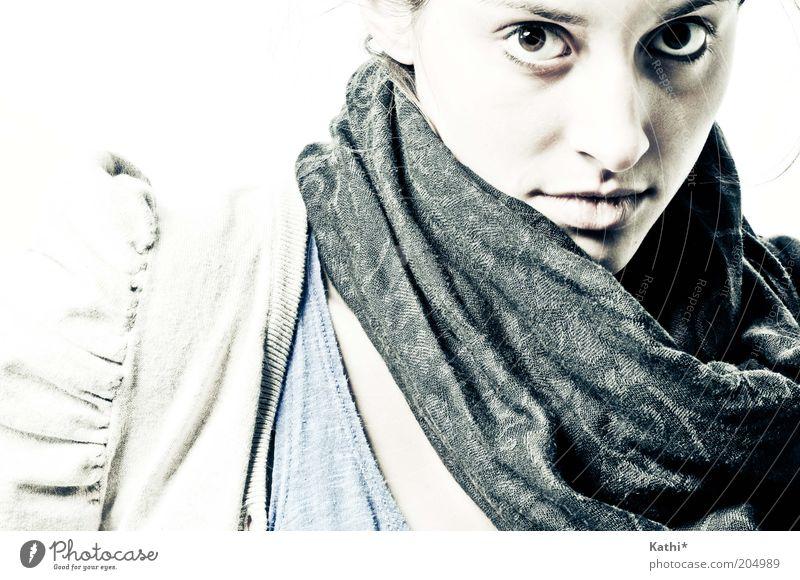 spannungsreich elegant Stil Leben feminin Junge Frau Jugendliche Erwachsene Gesicht 1 Mensch 18-30 Jahre Jacke Accessoire Schal Blick modern Verschwiegenheit