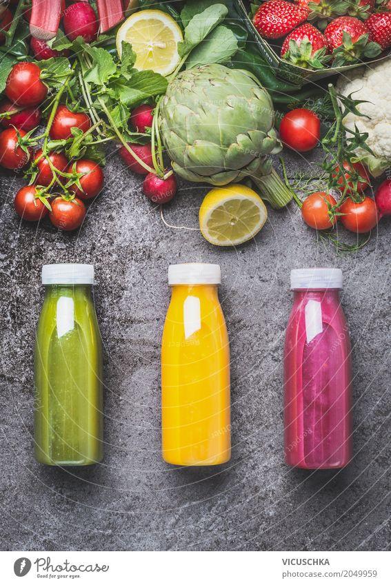Obst- und Gemüsesäfte in Flaschen Lebensmittel Frucht Bioprodukte Vegetarische Ernährung Diät Getränk Erfrischungsgetränk Saft Stil Design Gesundheit