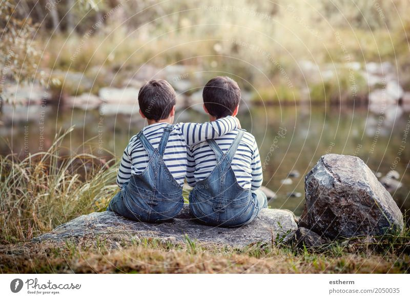 Zwillingsbrüder Lifestyle Freizeit & Hobby Mensch maskulin Kind Kleinkind Geschwister Bruder Familie & Verwandtschaft Freundschaft Kindheit 2 3-8 Jahre Teich