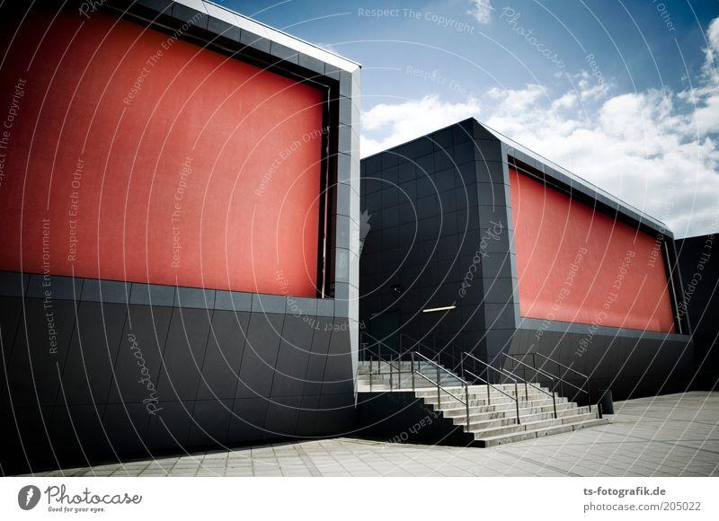 3D-Brille Himmel blau rot schwarz Wolken grau Architektur groß Treppe Platz Bauwerk Kino Schönes Wetter