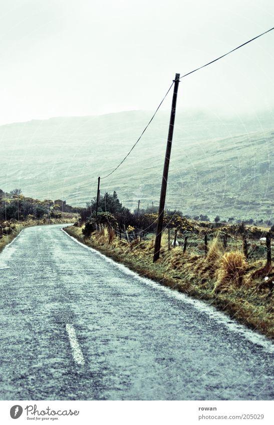 landstrasse Umwelt Natur Landschaft Wolken schlechtes Wetter Nebel Berge u. Gebirge Ferien & Urlaub & Reisen Landstraße Republik Irland Strommast kalt Regen