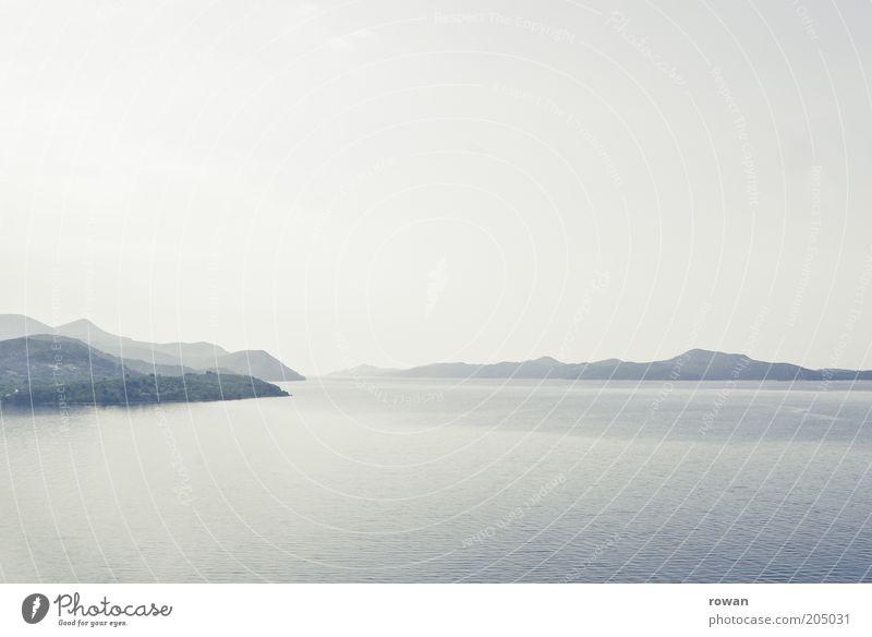 blau Natur Wasser Meer Ferien & Urlaub & Reisen ruhig Ferne Erholung Berge u. Gebirge Landschaft Küste Nebel Hintergrundbild Umwelt Insel Bucht flach