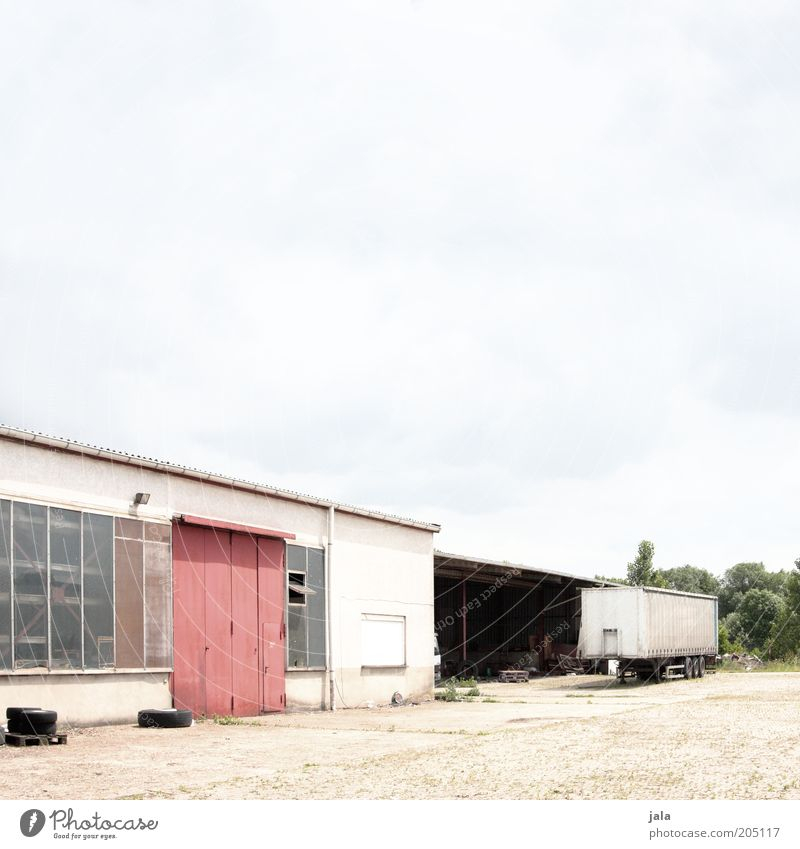 werkstatt Gebäude Industrie Platz Industriefotografie Fabrik Lastwagen Tor Bauwerk Werkstatt Lagerhalle Industrieanlage Gewerbe Anhänger Mittelstand Gewerbebau