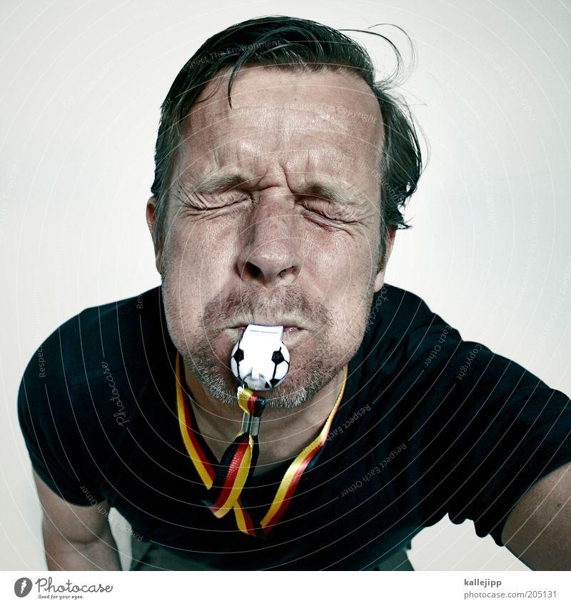 der traum geht weiter... Sport Ballsport Schiedsrichter Fußball Mensch Mann Erwachsene Leben Gesicht 1 30-45 Jahre Trillerpfeife Fan Deutschland Anpfiff laut