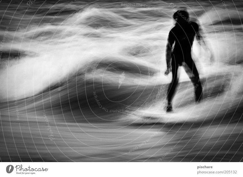 go with the flow Freizeit & Hobby Sport Wassersport maskulin 1 Mensch Wellen Bewegung ästhetisch Surfen fließen graphisch Schwarzweißfoto Außenaufnahme