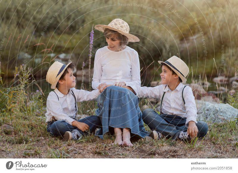 Mensch Kind Freude Lifestyle Liebe Senior feminin Junge lachen Familie & Verwandtschaft Garten Zusammensein Freundschaft maskulin Kindheit 60 und älter