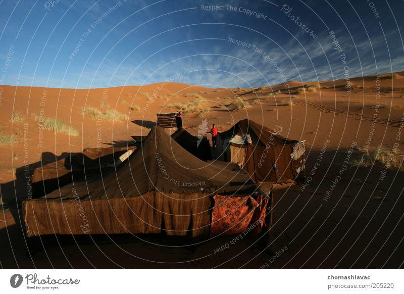 Lager in der Sahara-Wüste in Marokko Ferien & Urlaub & Reisen Tourismus Ausflug Abenteuer Camping 1 Mensch Umwelt Natur Landschaft Sand Himmel Schönes Wetter