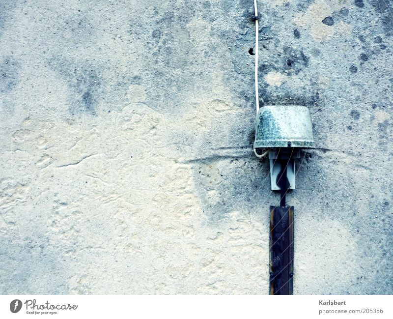 lancelot. Wand grau Umwelt Mauer Fassade Energie modern Elektrizität Technik & Technologie Kabel Telekommunikation Verbindung Putz stagnierend Anschluss