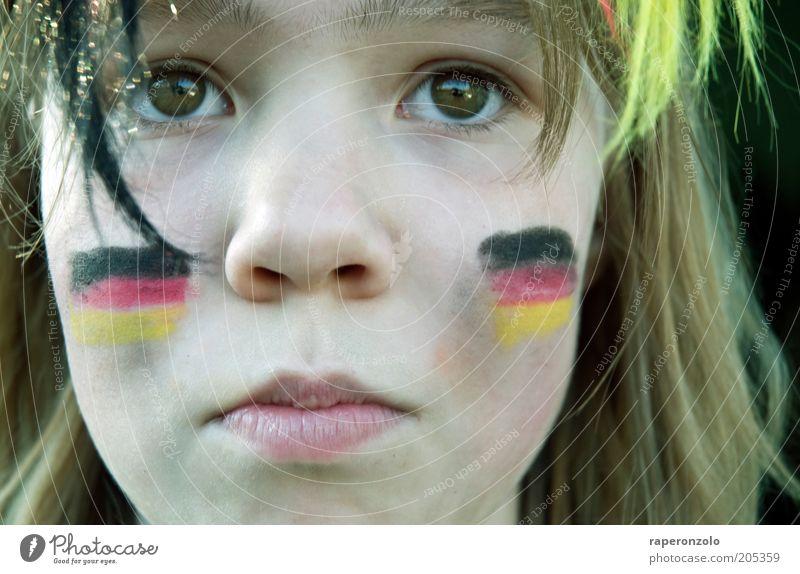 oooh schland ... Mensch Gesicht Auge Traurigkeit Nase Hoffnung Kindheit beobachten Deutsche Flagge Publikum Spannung Fan ernst verlieren Deutsch Verlierer