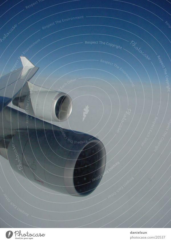 Über den Wolken Flugzeug Luftverkehr Flügel über den Wolken