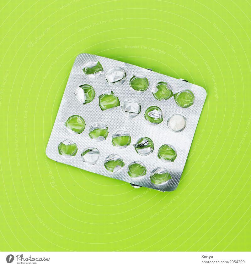 Tablettenverpackung grün silber Gesundheit Krankheit Medikament Abhängigkeit Sucht Schmerz Farbfoto Menschenleer Gesundheitswesen Pharmazie Kapsel Drogensucht