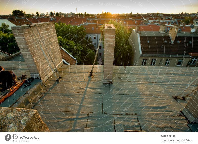 Friedrichshain Sonne Stadt Sommer Haus Berlin Architektur Horizont Dach Skyline Schornstein Stadtteil Hauptstadt Juni Überblick